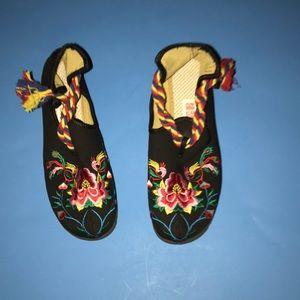 Women's NWT) size 8  shoes 👞 (BNI)
